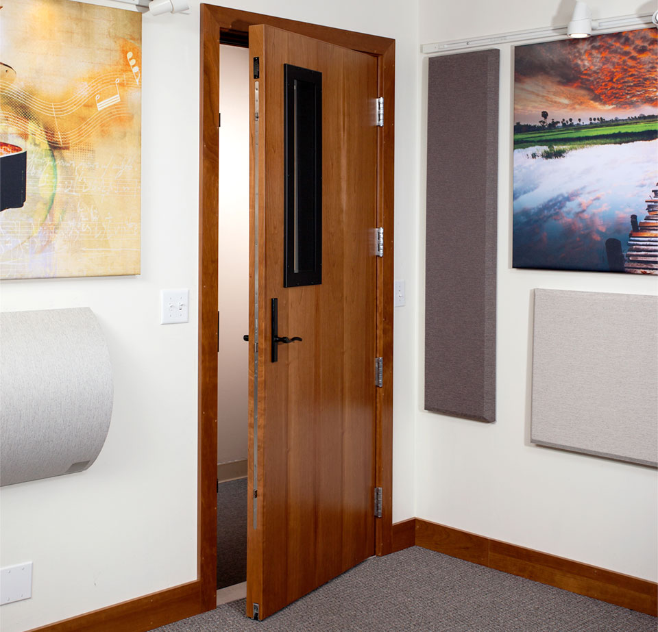tips soundproof soundproofing living doors noisy apartment ways to for a interior